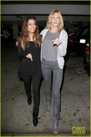 2 ноября 2013 -  Ева Лонгория  и Мелани Гриффит  проводят субботний вечер в ArcLight Cinemas, Голливуд.