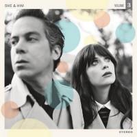 Музыкальный проект «She and Him» возвращается в мае.