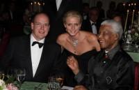 Планета скорбит о смерти Манделы