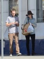 Руни и Чарли на шоппинге в ЛА, 15 февраля