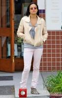 Мишель Родригес направляется в оптический магазин в Беверли-Хиллз, Лос-Анджелес