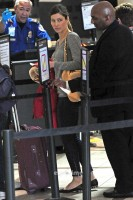Джессика Бил в аэропорту Лас-Вегаса:
