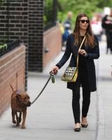 Джессика прогуливается с Тиной и Бренани по Нью-Йорку: