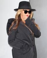 Бейонсе покидает офисное здание в Нью-Йорке