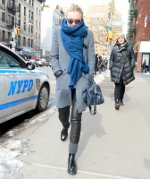 Дакота Фаннинг. Дакота и Джейми с друзьями прогуливались в Нью-Йорке.