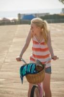 Дакота Фаннинг. Новые кадры из фильма «Очень хорошие девочки».