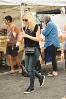 Дакота Фаннинг. Дакота с друзьями побывали на сельскохозяйственном рынке в Лос-Анджелесе.