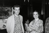 """Исторические фото: молодые Хелена Бонэм Картер и Руперт Грейвз на премьере """"Комнаты с видом"""""""