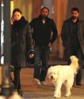 Оливия Уайлд. Оливия на прогулке по улицам Нью-Йорка