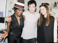 "Джессика Бил за кулисами показа ""Пиппин"" на Бродвее (2013):"