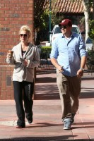 25 апреля - Бритни и Дэвид завтракают в кофейне Corner Bakery в Калабасасе