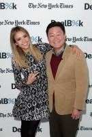 """Джессика Альба на конференции """"New York Times DealBook"""""""