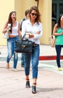 Джессика Альба на шопинге в Санта-Монике