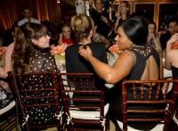 """Зоуи Дешанель. Зоуи на ежегодной вечеринке журнала """"ELLE"""" для женщин-телезвезд."""