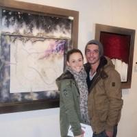 Зурия и Альберто на выставке картин мамы Зурии.