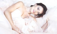 Оливия Уайлд. Оливия начала сотрудничать с косметическим брендом Avon