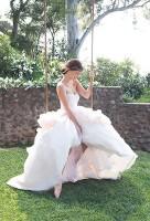 Оливия начала сотрудничать с косметическим брендом Avon