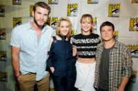 """Джош и другие звезды """"Голодных Игр"""" на Comic Con"""