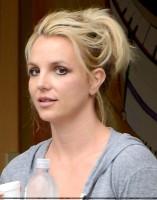 26 июля - Бритни посетила танцевальную студию в Thousand Oaks