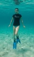 Миранда плавала с дельфинами