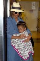 Джессика Альба в аэропорту Лос-Анджелеса