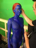 """Первый снимок Джен в образе Мистик на съемках фильма """"Люди Икс: Дни минувшего будущего"""""""