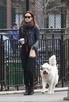 Оливия Уайлд. Оливия, Джейсон и Пако на прогулке по улицам Манхэттена