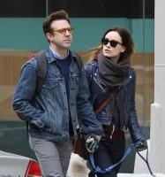 Оливия, Джейсон и Пако на прогулке по улицам Манхэттена