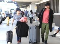 Рэйчел и Хейден Кристенсен в аэропорту Лос-Анджелеса
