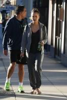 Джессика Альба направляется на занятия йогой в Лос-Анджелесе