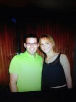 Новое фото Дженнифер с фанатом