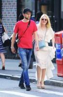 Дакота Фаннинг. Обворожительная Дакота и Джейми гуляют по улицам Нью-Йорка.