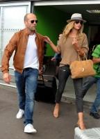 Роузи и Джейсон прибывают в аэропорт Ниццы