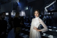 "Джессика Альба на модном показе ""H&M"""
