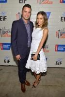 """Джессика Альба с мужем Кэшем Уорреном на мероприятии """"Hollywood Stands Up To Cancer"""""""