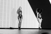 Бейонсе Ноулз. Фотоотчет из концерта в городе Фоксборо, штат Массачусетс в рамках тура «On The Run»