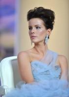 Кейт Бекинсейл. Открытие 63-го Каннского кинофестиваля (6 фото)