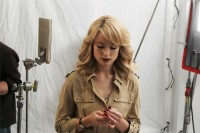 Оливия Уайлд. Новые фото со съёмок рекламного ролика компании Revlon