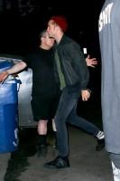 Роб покидает концерт своего друга