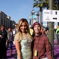 Фотографии от фантов с Kids Choice Awards.