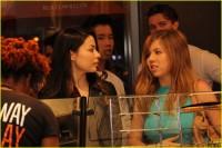 Миранда и Дженнет на открытии пиццерии Blaze Патрика Шварценеггера