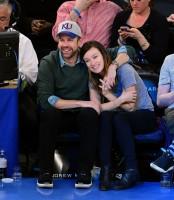 Оливия и Джейсон в Нью-Йоркском спортивном комплексе «Мэдисон Сквер Гарден»