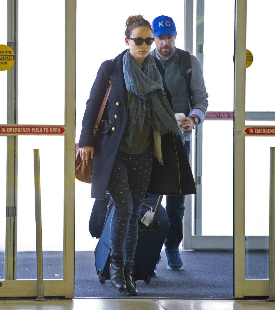 Оливия Уайлд. Уайлдейкис в аэропорту JFK.