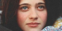 Зоуи на этом фото 14 лет (1994 г.).