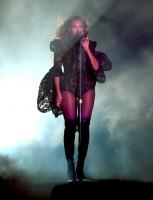 Бейонсе Ноулз. Фото c концерта в Лос-Аджелесе, штат Калифорния в рамках тура «On The Run»