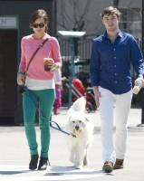 Оливия Уайлд. Оливия и ее брат Чарли на прогулке