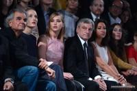 Дженнифер Лоуренс. Дженнифер Лоуренс на показе Dior в Париже