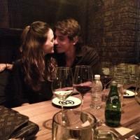 Очень милое и нежное фото Сурии и Альберто из Instagram'а. Влюбленную пару запечатлела девушка брата Сурии.