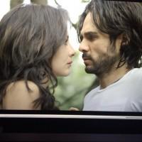 Кадры из клипа на песню «Bajemos la guardia».