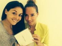 Новое фото из Twitter'а. На нем Сурия и ее подруга и специалист по питанию Кристина Лима